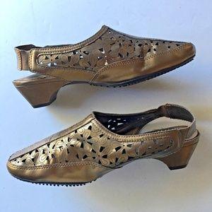 Rialto Comfort Gold Sling Back Heels, Size 8M